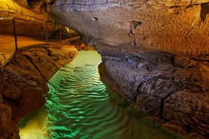 riviére souterrainne de la grotte de Labeil